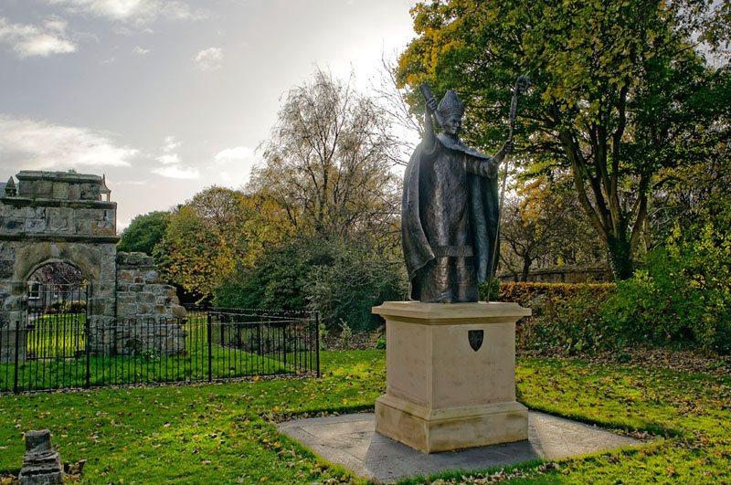 Statue of Bishop Wardlaw, founder of the University of St Andrews